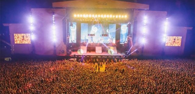 19802_1_leeds-and-reading-festival-2014-tickets-on-sale-3rd-december-9am_ban